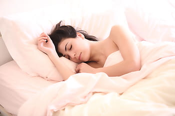 woman-asleep-girl-sleep-dreams-face-royalty-free-thumbnail